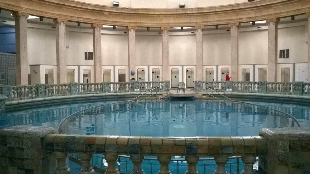 L 39 architecture tr s particuli re de la piscine ronde yelp - Nancy thermal piscine ronde ...