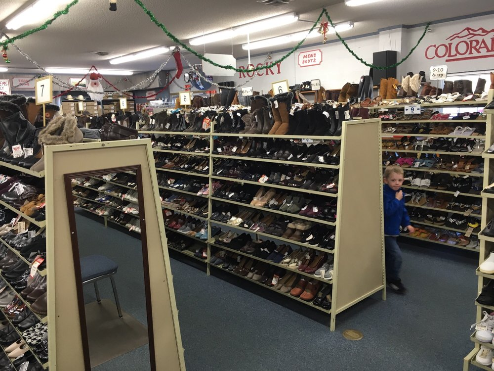 Gibson Shoe Store: 572 Main St, Andrews, NC