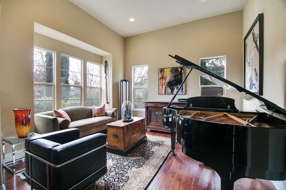 Craig Buntin - Coldwell Banker Residential Brokerage   9280 W Stockton Blvd, Elk Grove, CA, 95758   +1 (916) 897-7856