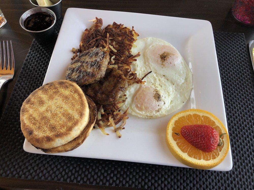 The Lodge Restaurant: 12930 Hawksbeard Rd, Sisters, OR
