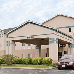 super 8 by wyndham aurora naperville area 11 reviews hotels