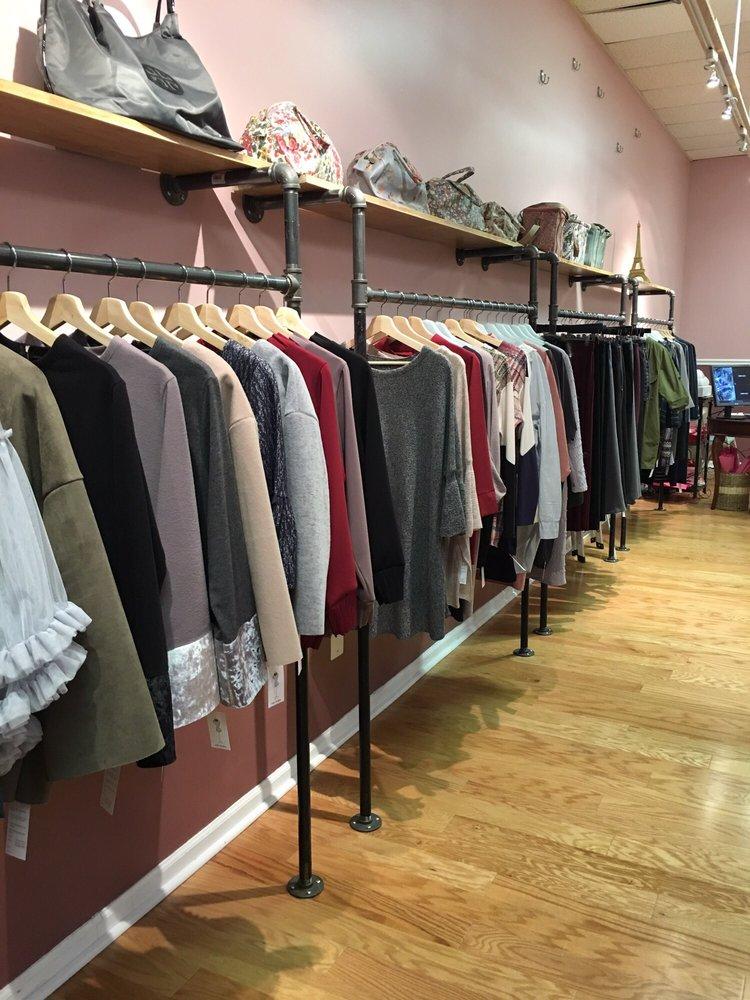 Alexandra's Boutique: 5009 Garrett Ave, Beltsville, MD
