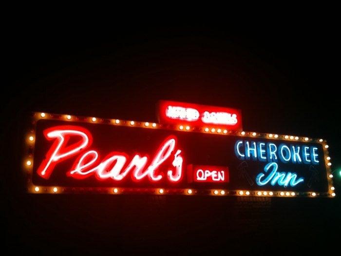 Pearl's Cherokee Lounge: 2607 W Division St, Arlington, TX