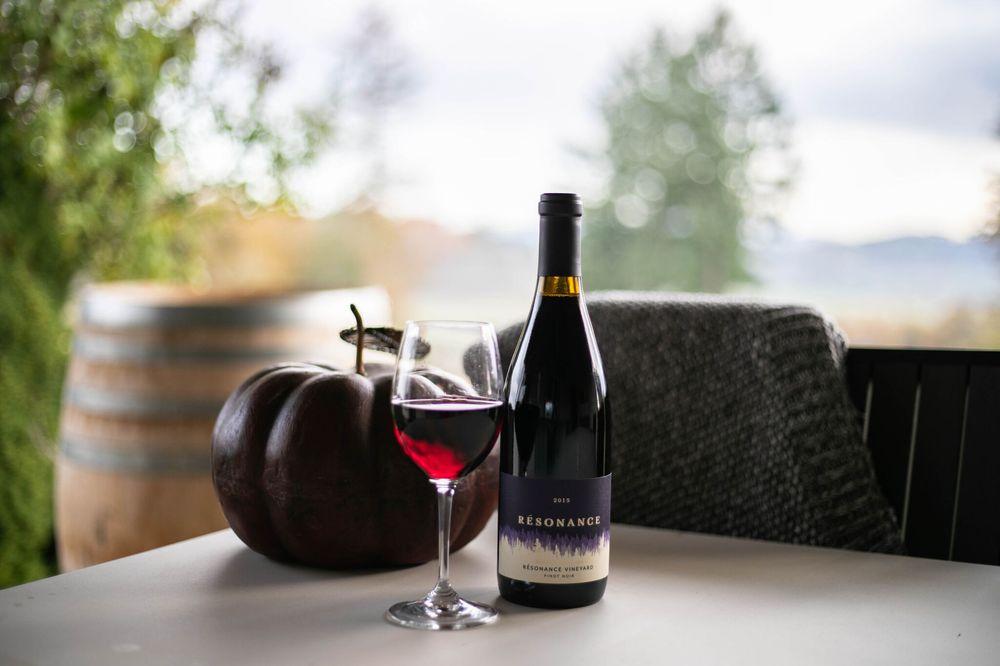 Résonance Wines: 12050 NW Meadowlake Rd, Carlton, OR
