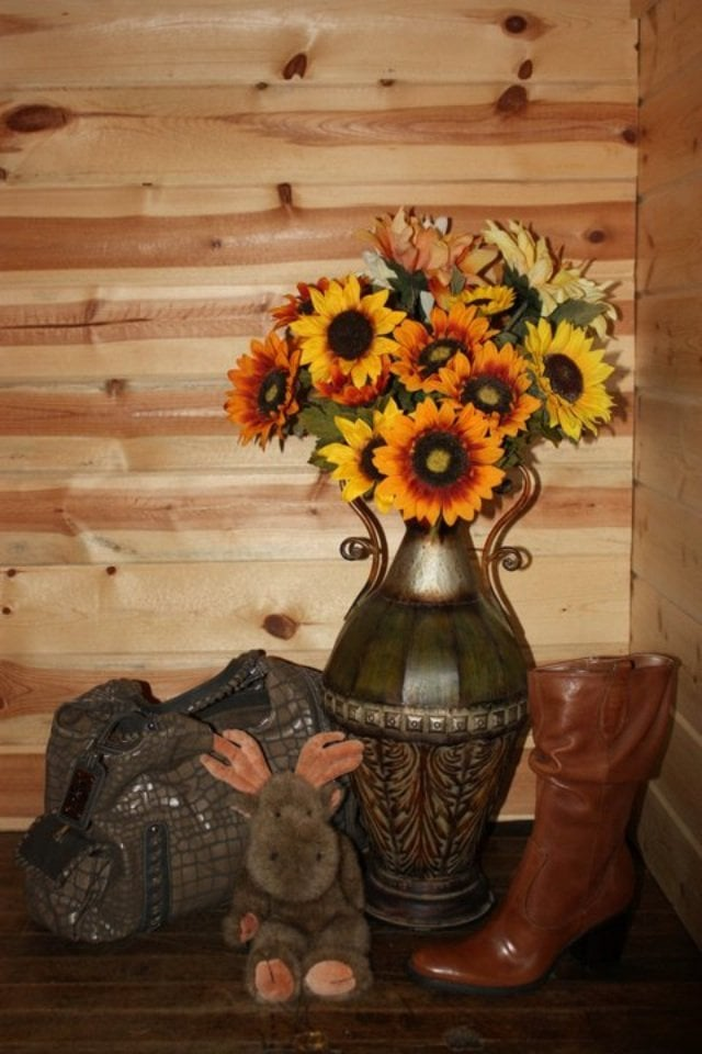 The Sunflower Moose: 301 Dewey Ave, Eureka, MT