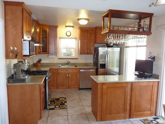 KZ Kitchen Cabinet And Stone