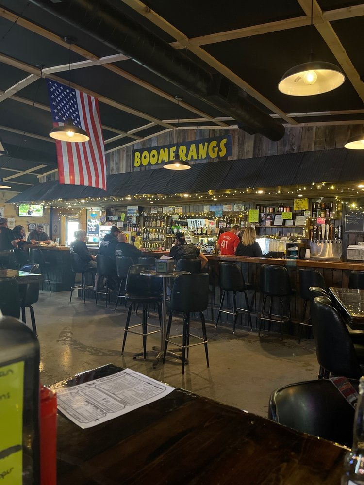 Boomerang's Bar and Grille: 17705 Old Tpk Rd, Millmont, PA