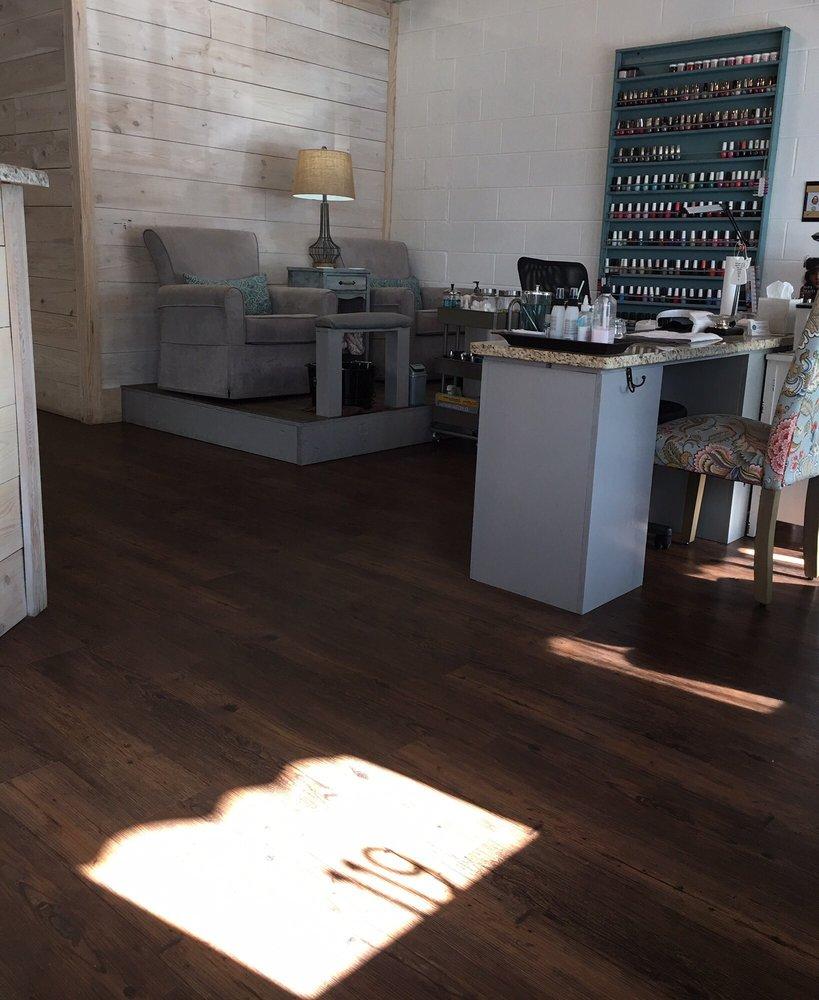 Lavish Salon & Spa: 119 S Court St, Prattville, AL