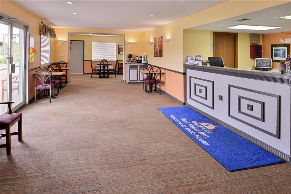 Americas Best Value Inn Knob Noster: 2340 Irish Lane, Knob Noster, MO
