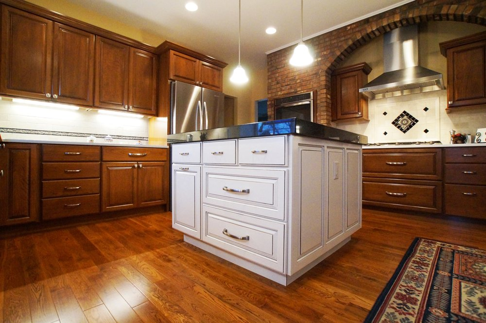 Procraft Fine Cabinet & Woodwork: 11742 Manchester Rd, Des Peres, MO