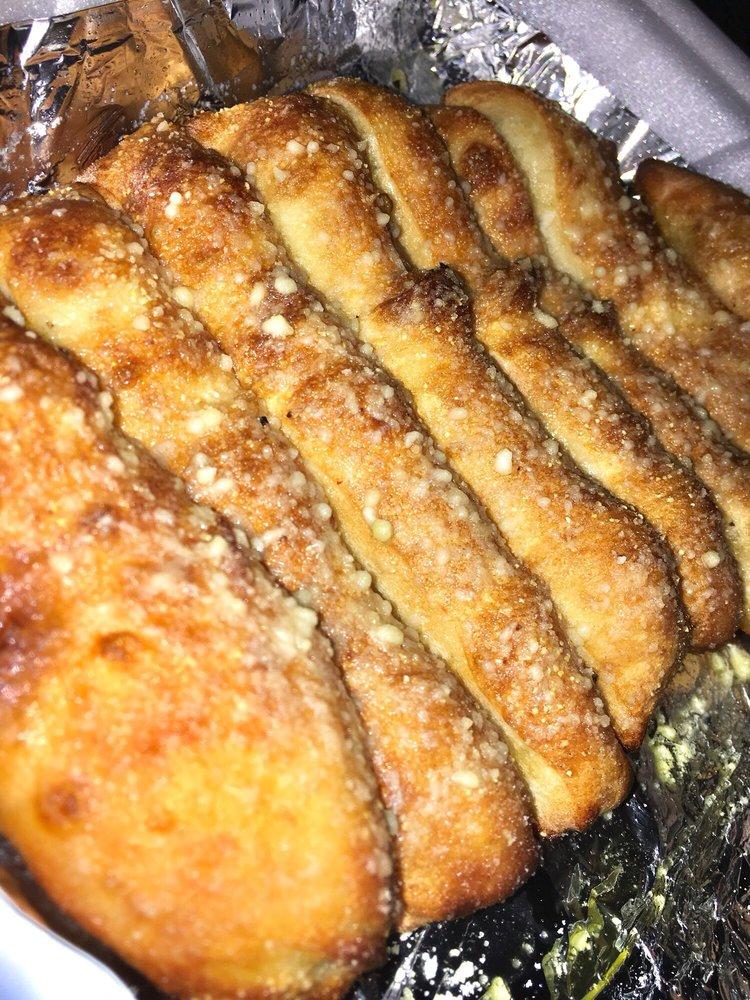 Golden Pizza: 1357 Kendall Dr, San Bernardino, CA