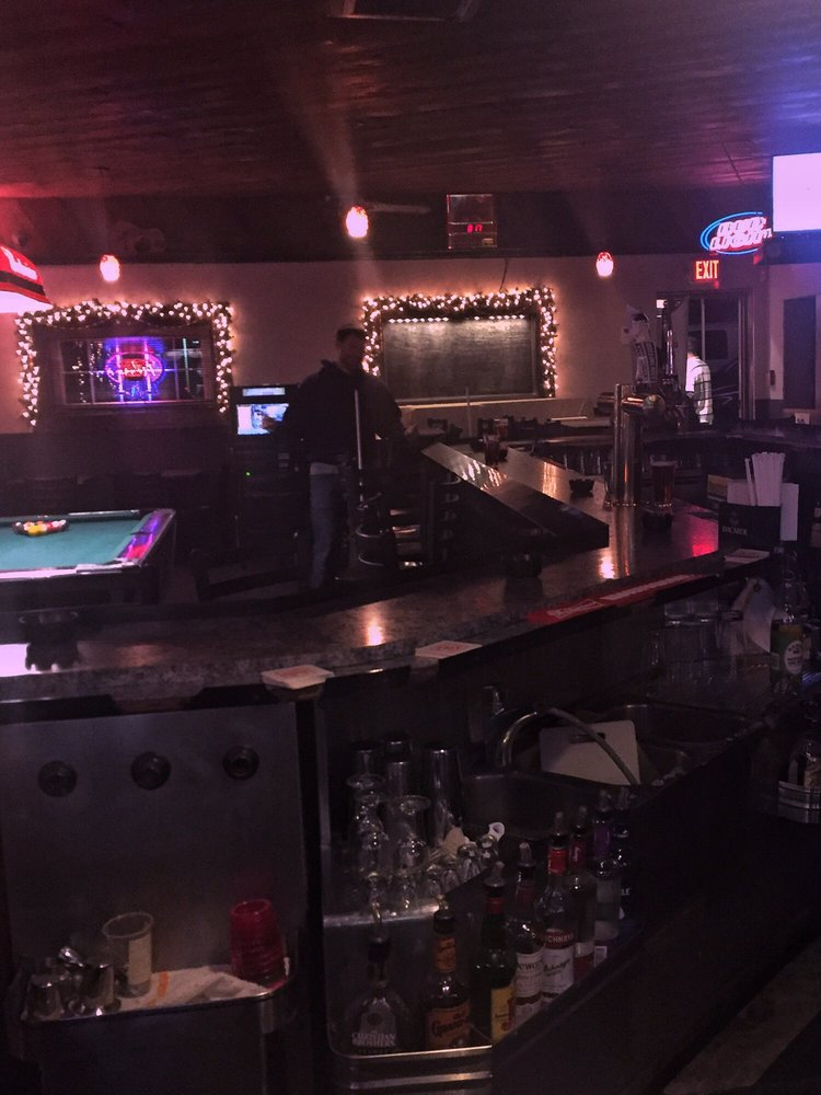 Copley's Cafe & Tavern: 2029 Chichester Ave, Marcus Hook, PA