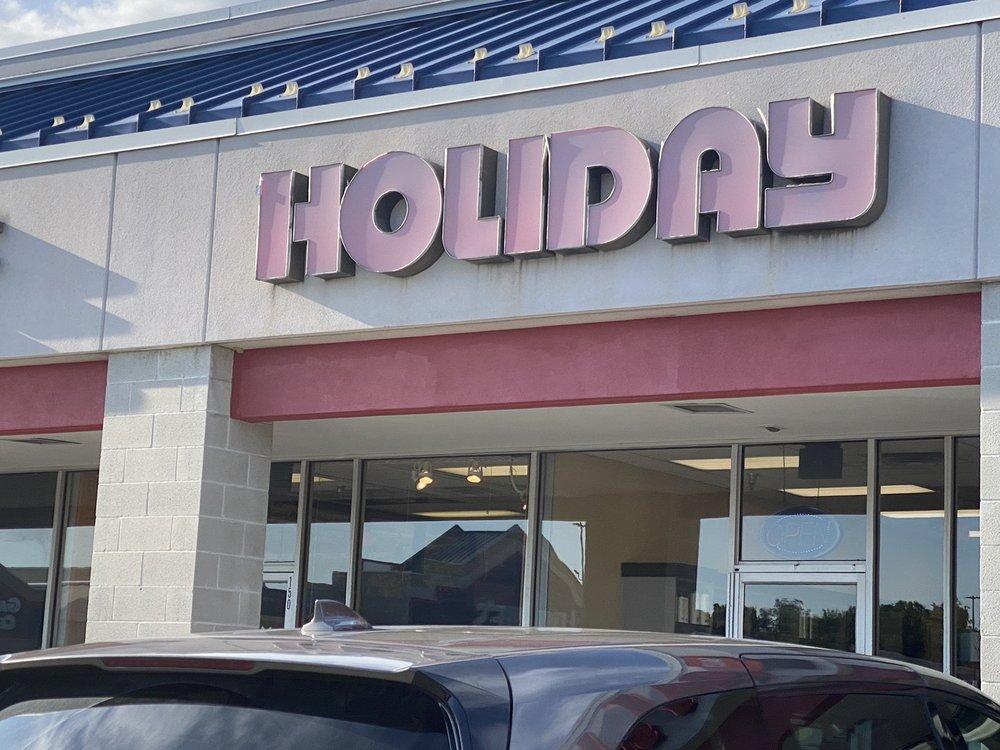 Holiday Hair: 140 Sara Way, Rostraver Township, PA