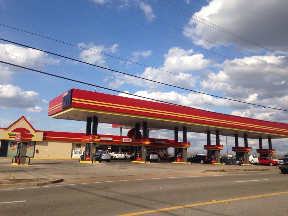 Dodge's: 2290 W Main St, Tupelo, MS