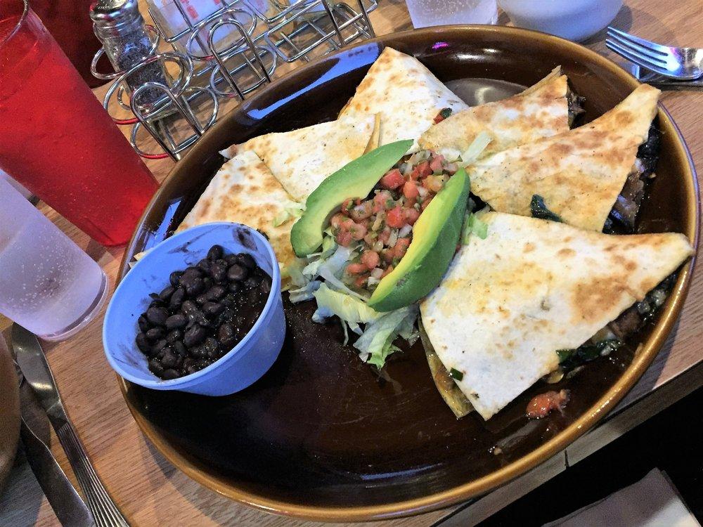 Ixtapa Family Restaurant: 9200 271st St NW, Stanwood, WA