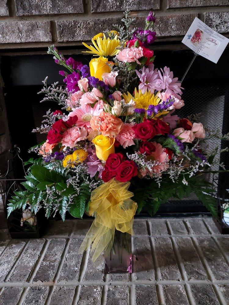 Nana's Flower & Gift Shop: 8346 Old Highway 31, Morris, AL