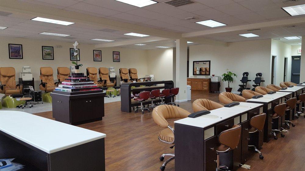 Posh Nails & Spa: 8468 Allentown Pike, Blandon, PA