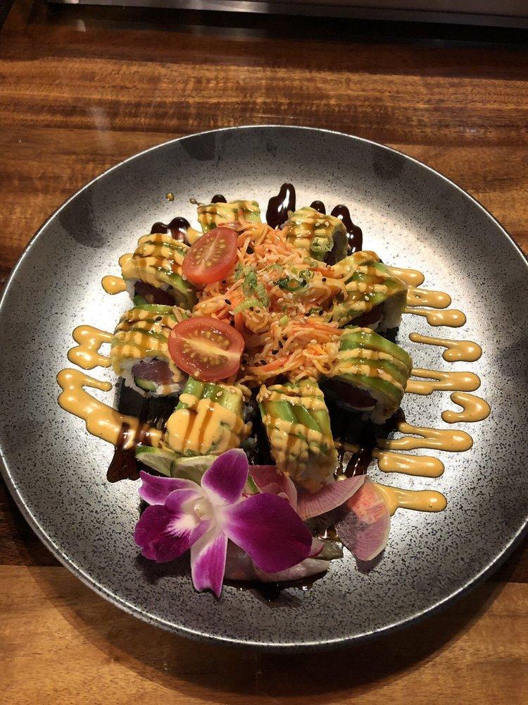 Kiwami Ramen and Sushi: 10262 Causeway Blvd, Tampa, FL