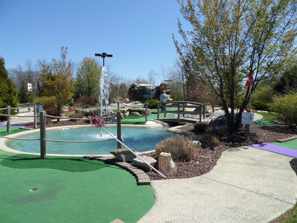 Boulder Falls Miniature Golf: 1426 Marshallton Thorndale Rd, Downingtown, PA