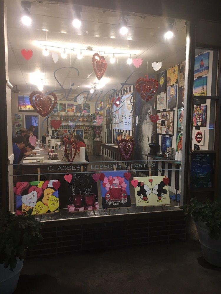 Signature Fine Arts Studio: 234 S Lafayette St, Shelby, NC