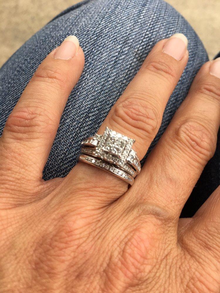 Fernbaugh's Diamonds and Fine Jewelry: 206 N Michigan St, Plymouth, IN