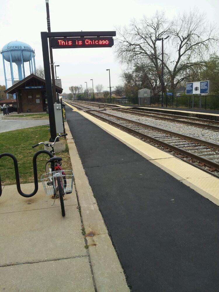 Chicago Ridge Train Station: 10324 Ridgeland Ave, Chicago Ridge, IL