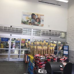Walmart Supercenter Piceries 521 E Chestnut St