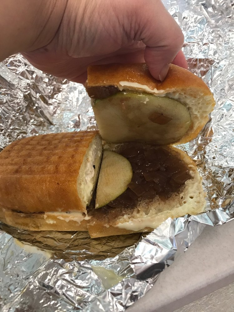 Enzo's Lunch and Eatery: 702 North Blakely St, Dunmore, PA