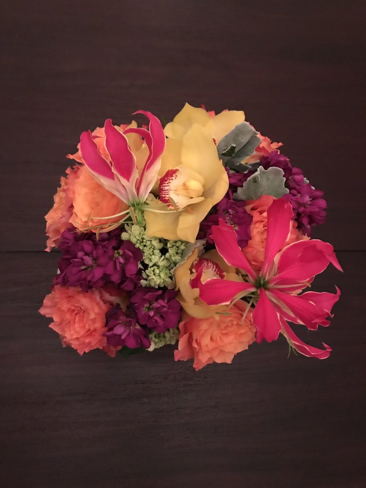 Robertson's Flowers & Events