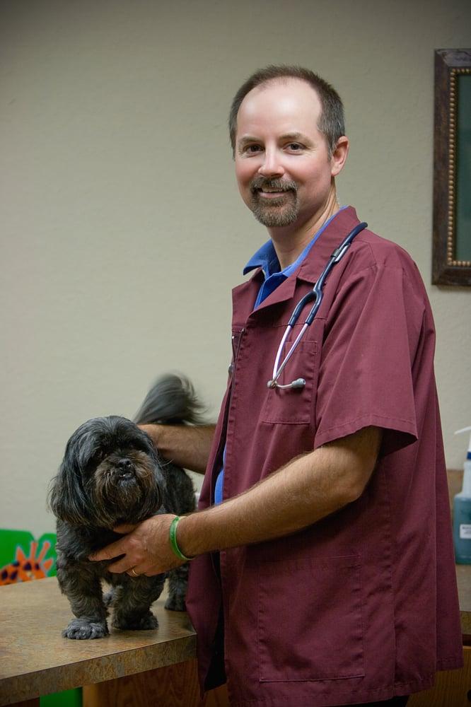 Veterinary Medical Center of the Gulf Coast: 2609 N Velasco St, Angleton, TX
