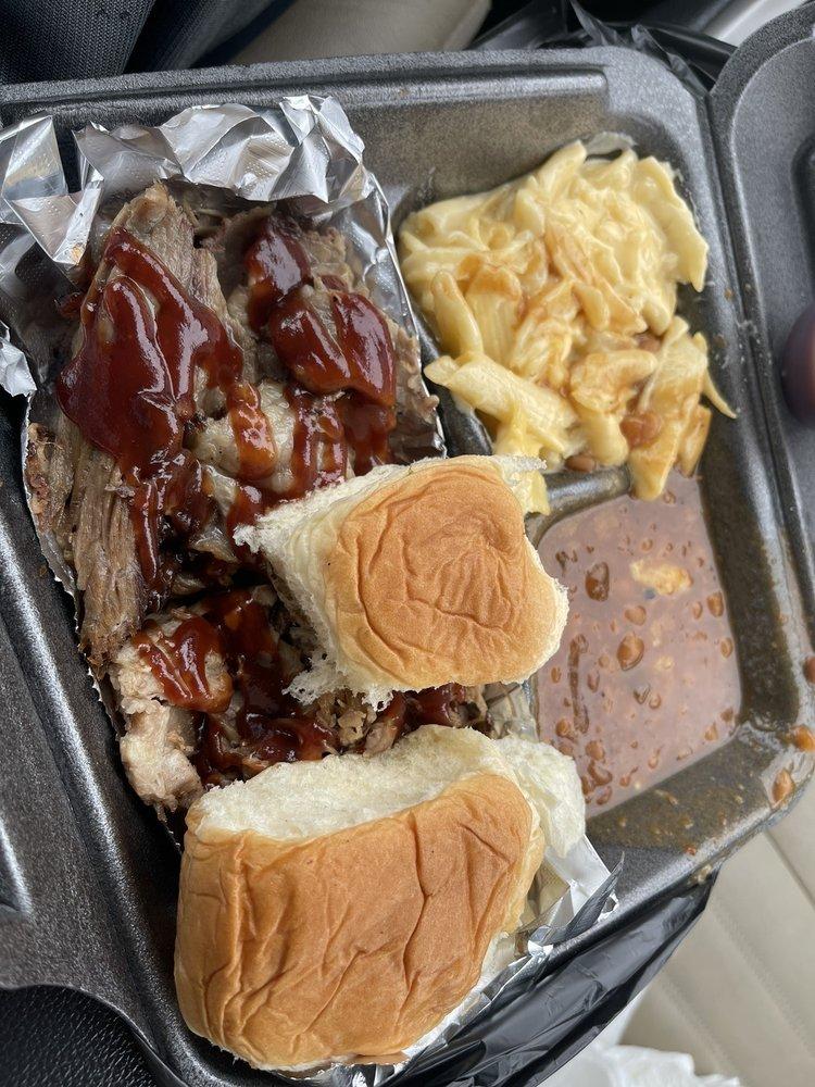 Nae Nae's Memphis Style BBQ: 103 Mitchel Lane, Waveland, MS