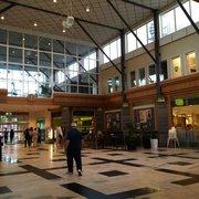 jakobsberg centrum butiker öppettider