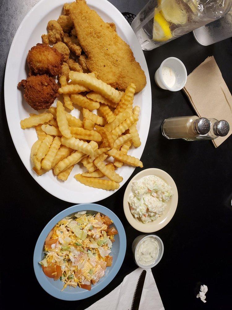 Li'l Smoky Drive-In & Restaurant: 702 E Main St, Burnsville, NC