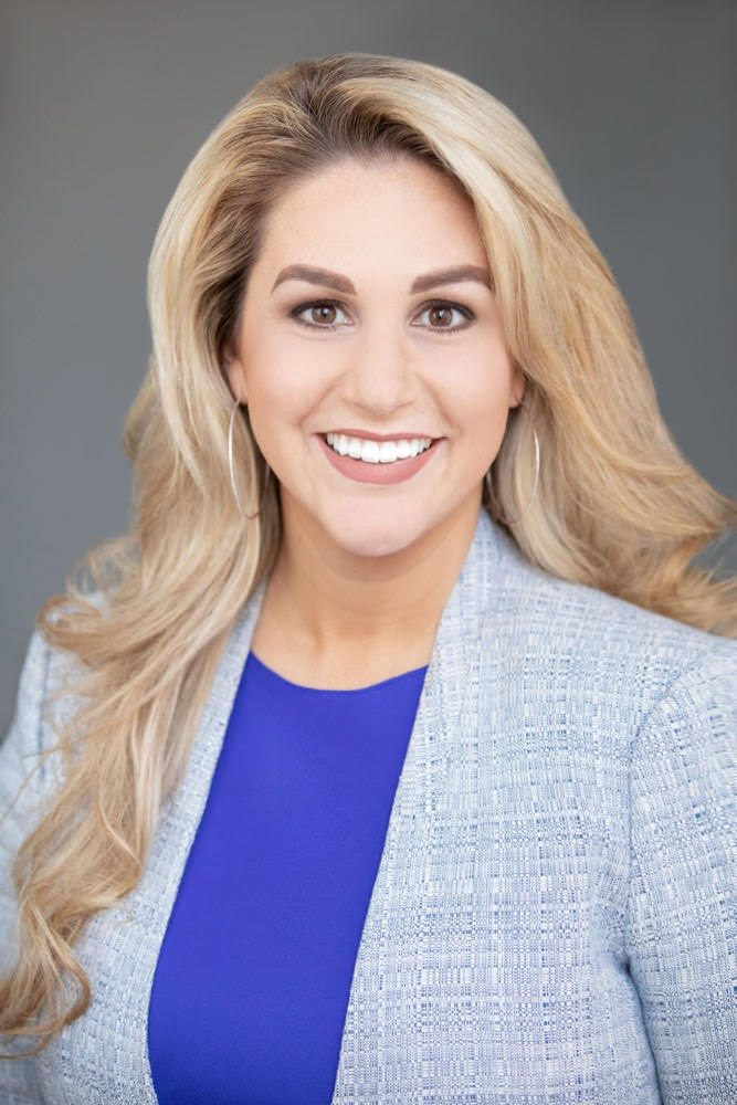 Gabriella Alvarez - RE/MAX Gold
