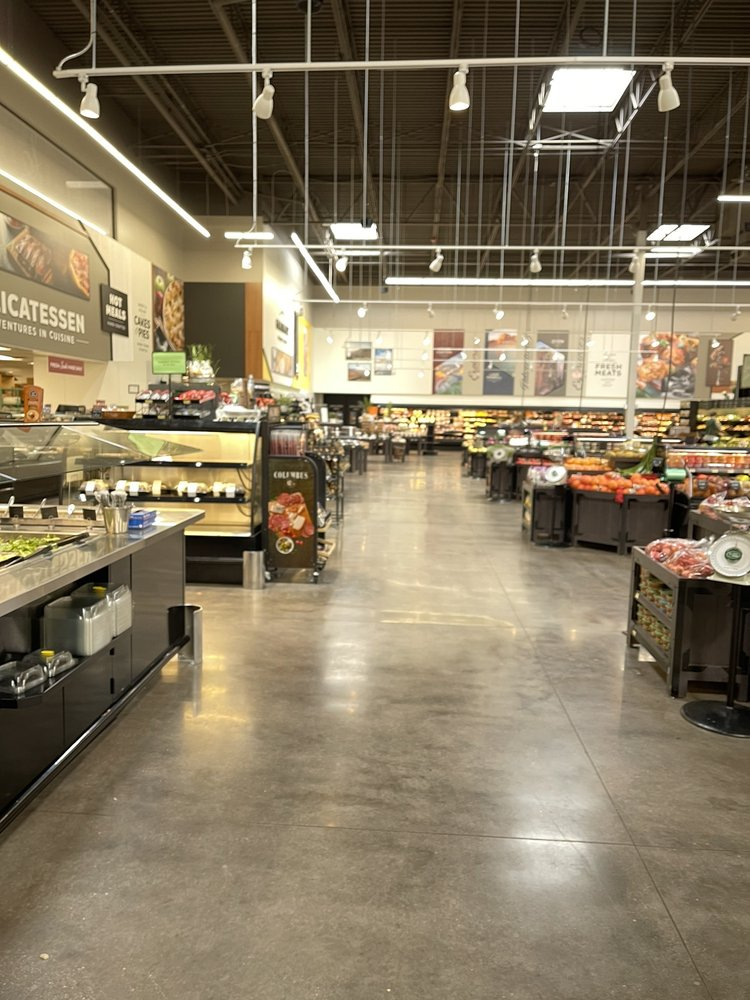 Bee's Marketplace: 1045 S Central Str, Colorado city, AZ