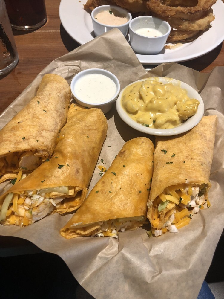 Buffalo Chicken Wrapper with Mac and Cheese - Yelp