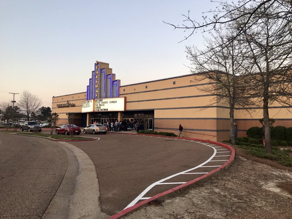 UA Parkway Place Theatre: 1075 Parkway Blvd, Flowood, MS