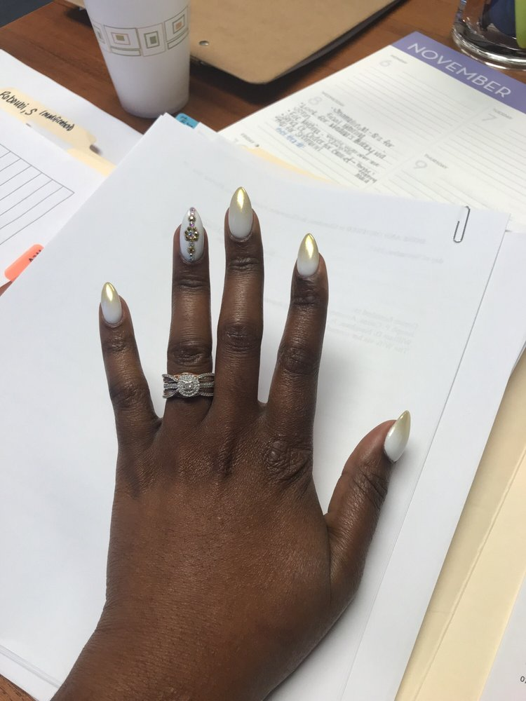I absolutely love my nails, Thanks to Mei! She was awesome, as ...