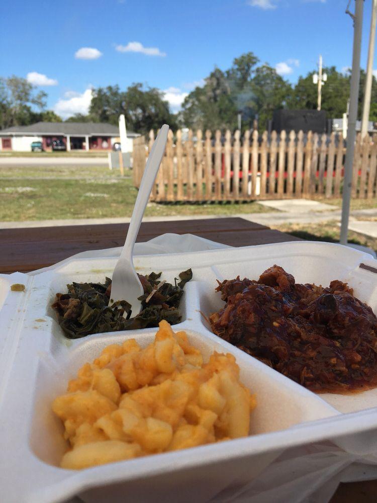 Red Wagon BBQ: 1018 E Magnolia St, Arcadia, FL