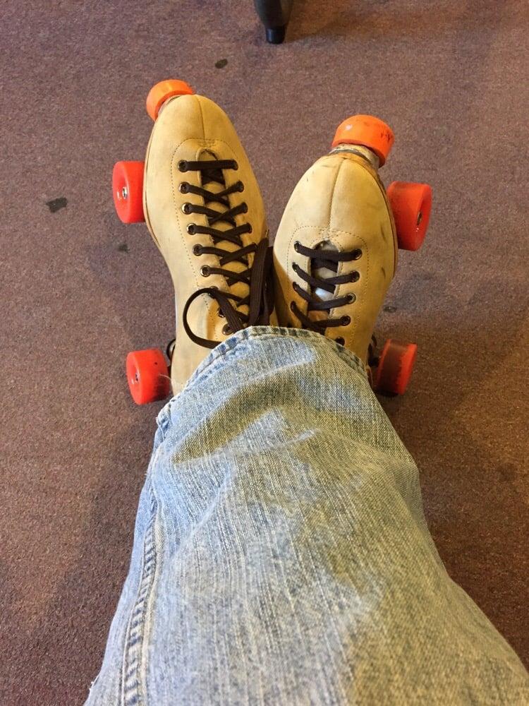 Lakeshore Roller World: 5567 Red Arrow Hwy, Stevensville, MI
