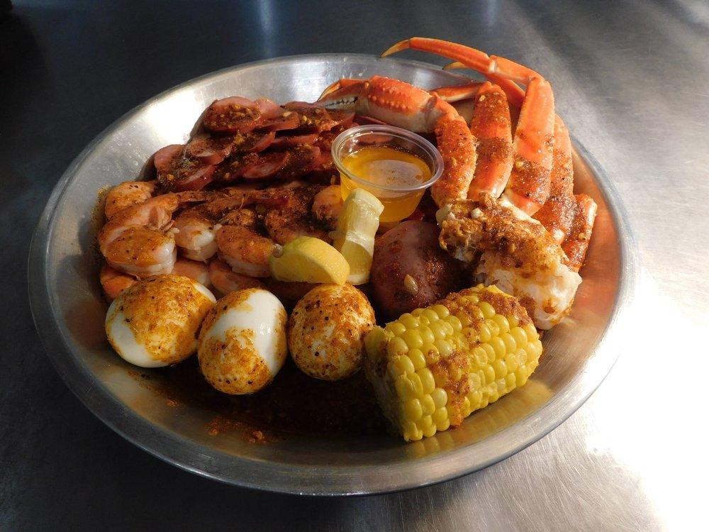 Pier 88 Boiling Seafood & Bar: 5850 University Dr NW, Huntsville, AL