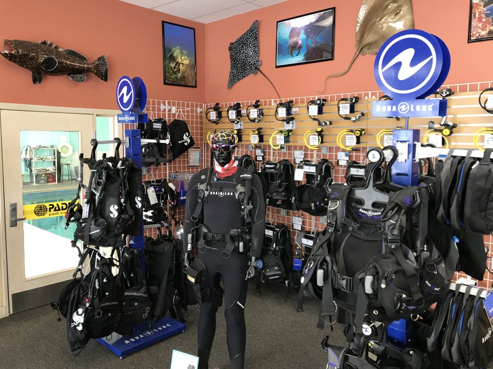 Aquaventure Dive & Photo Center: 10024 County Rd 81, Maple Grove, MN