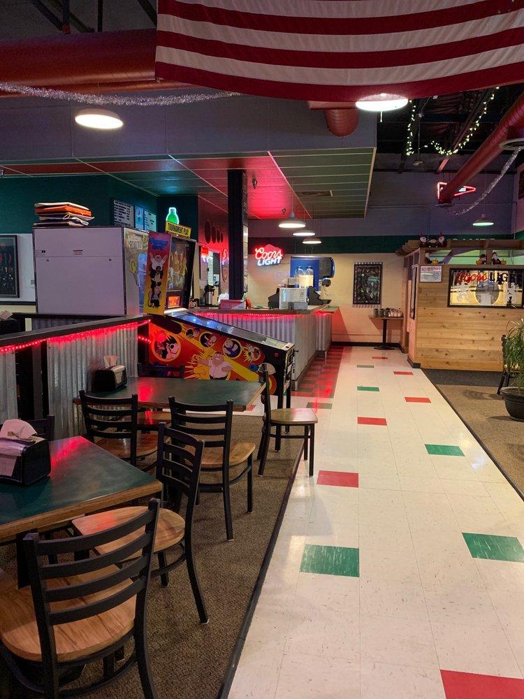 Main Street Pizza: 680 S Main St, Banks, OR