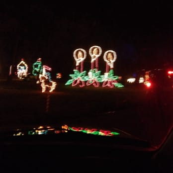 photo of country springs hotel pewaukee wi united states - Country Springs Christmas Lights