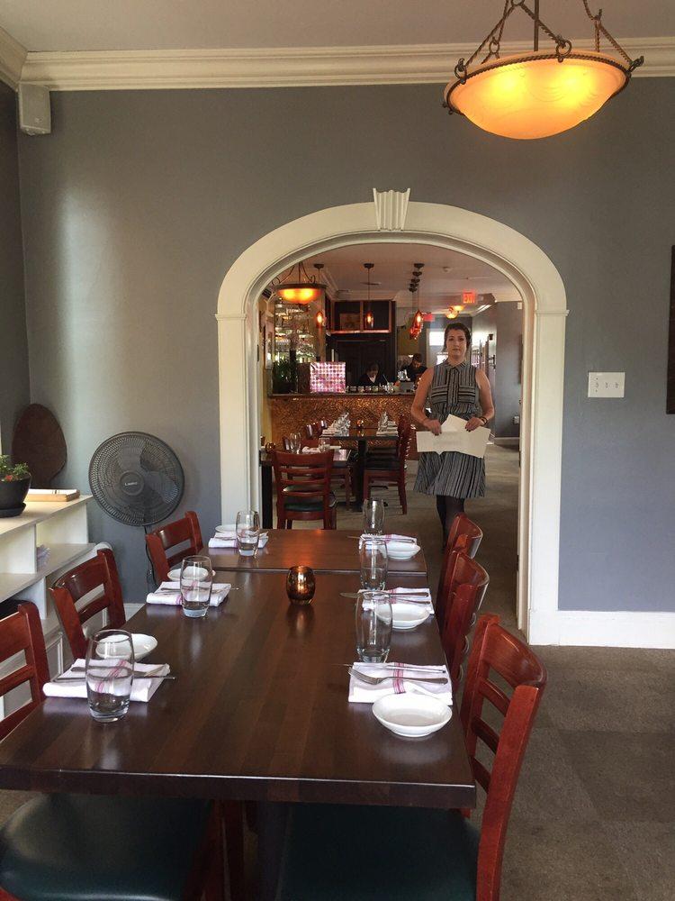 Photo Of Bouquet Restaurant