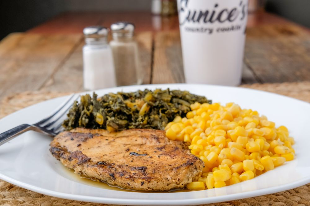 Eunice's Country Cookin': 3325-B S 74th St, Fort Smith, AR