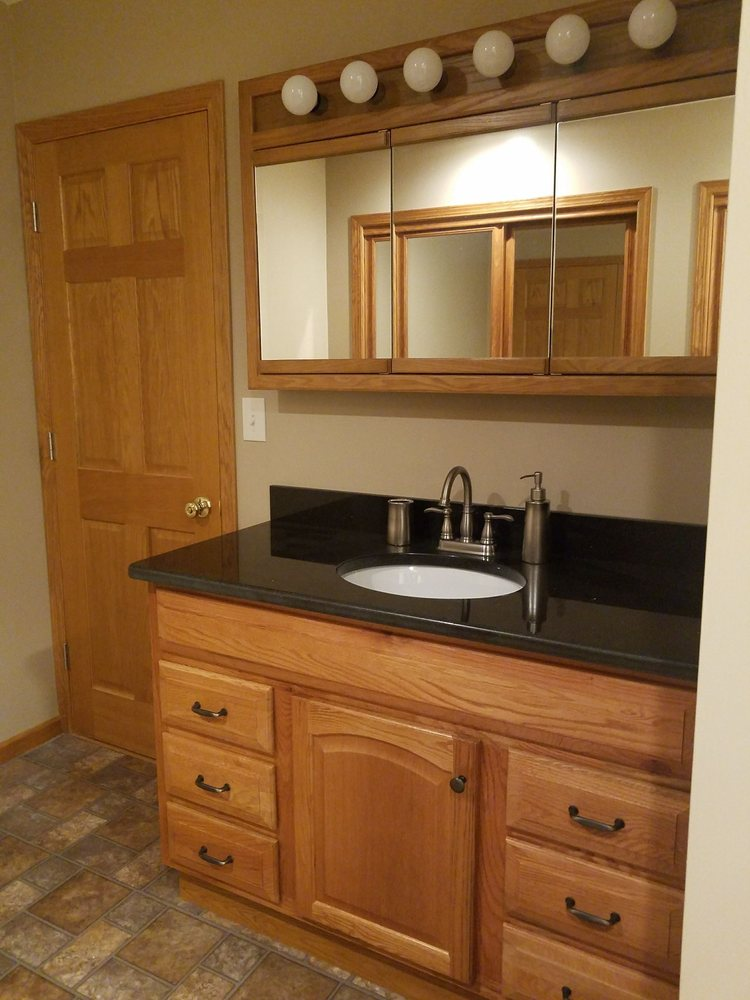 Advantage Windows & Siding Home Improvements: 3147 B Niles Rd SE, Warren, OH