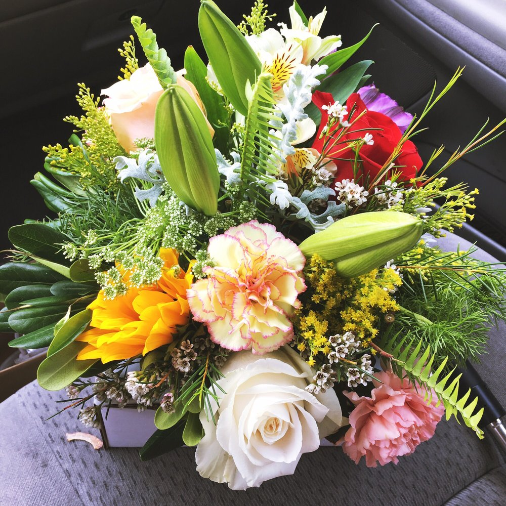 Beautiful flower basket for less than 25 no additional tax yelp photo of quality wholesale florist la puente ca united states beautiful flower izmirmasajfo