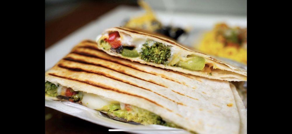 Appu's Cafe: 3816 Woodruff Ave, Long Beach, CA