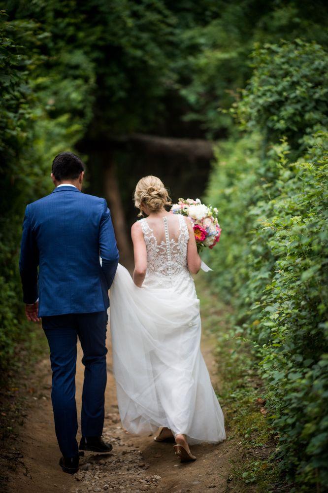 Ally's Bridal & Tuxedo